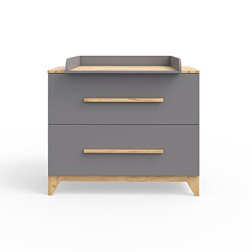 sch ner wickeltisch in grau. Black Bedroom Furniture Sets. Home Design Ideas
